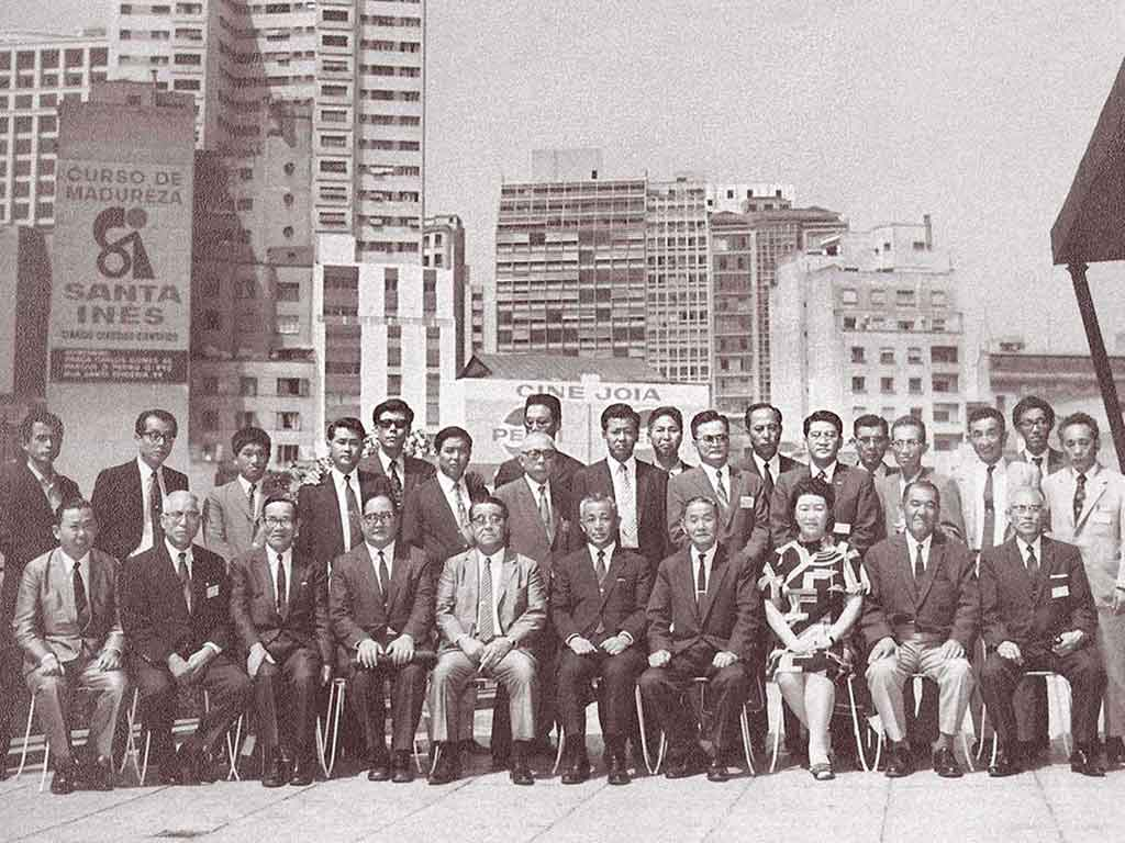ブラジルサントスを視察した往年の業界関係者たち (於:コロラド事務所屋上)