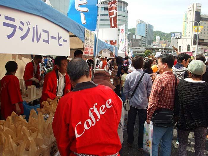 この日の神戸まつり来場者数は延べ105万人。天候もよく、沢山の方が御来場されました。